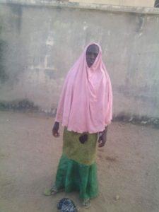Male+terrorist+disguised+as+female+in+Hijab+nabbed+by+Nigerian+troops+as+he+made+for+market+in+Kwaya+Kusar+in+Borno+last+weeken (1)