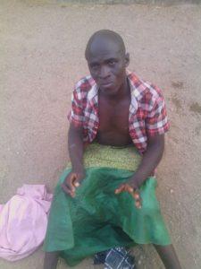 Male+terrorist+disguised+as+female+in+Hijab+nabbed+by+Nigerian+troops+as+he+made+for+market+in+Kwaya+Kusar+in+Borno+last+weeken (2)