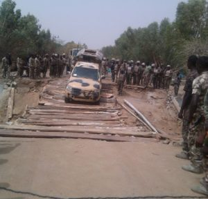 Nigerian+troops+crossing+the+Kafin-Hausa+Bridge+constructed+by+military+engineers+to+facilitate+the+pursuit+of+fleeing+terroris