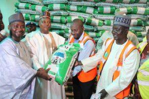 DG+NEMA+making+a+symbolic+presentation+of+rehabilitation+materials+to+Borno+state+Governor+in+Maiduguri (1)
