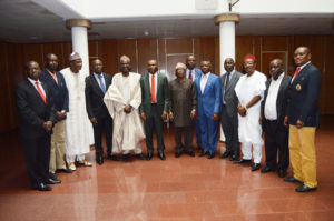 THE+HONOURABLE+MINISTER+IN+A+GROUP+PHOTOGRAPH+WITH+THE+MEMBERS+OF+THE+TECHNICAL+COMMITEE+AFTER+THE+PRESENTATION