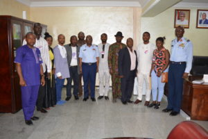chief-of-policy-and-plans-dhq-avm-bashir-saidu-in-a-group-photograph-with-members-of-the-coalition-of-niger-delta-youth-leaders-in-dhq