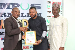 Aondover Eric Msughter Receives Campus Journalism AWard CJA 2018 for Syndicated Writer