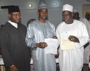 BUK 92 President Presents Cheque of N1mn to VC Prof Bello Yahuza