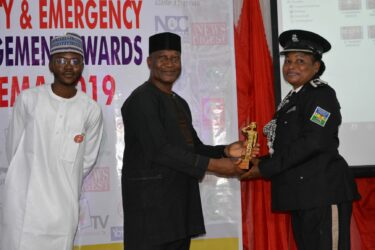 CSP Olabisi Davies receives SAEMA Golden Award